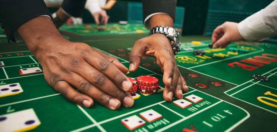 Comparing Mobile Slots and Online Slot Games